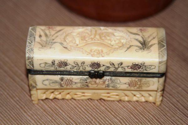 photo of box of ginseng